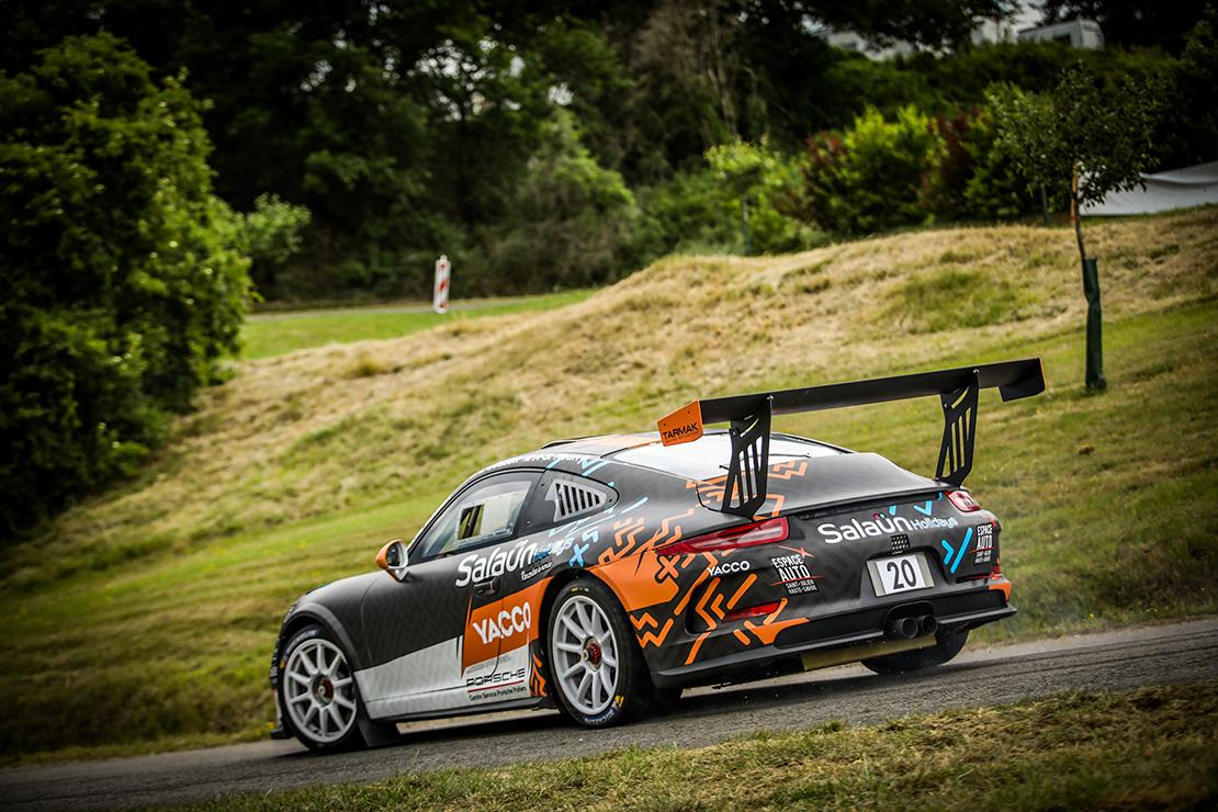 La Porsche 911 GT+ en piste au Rallye des Vins Mâcon